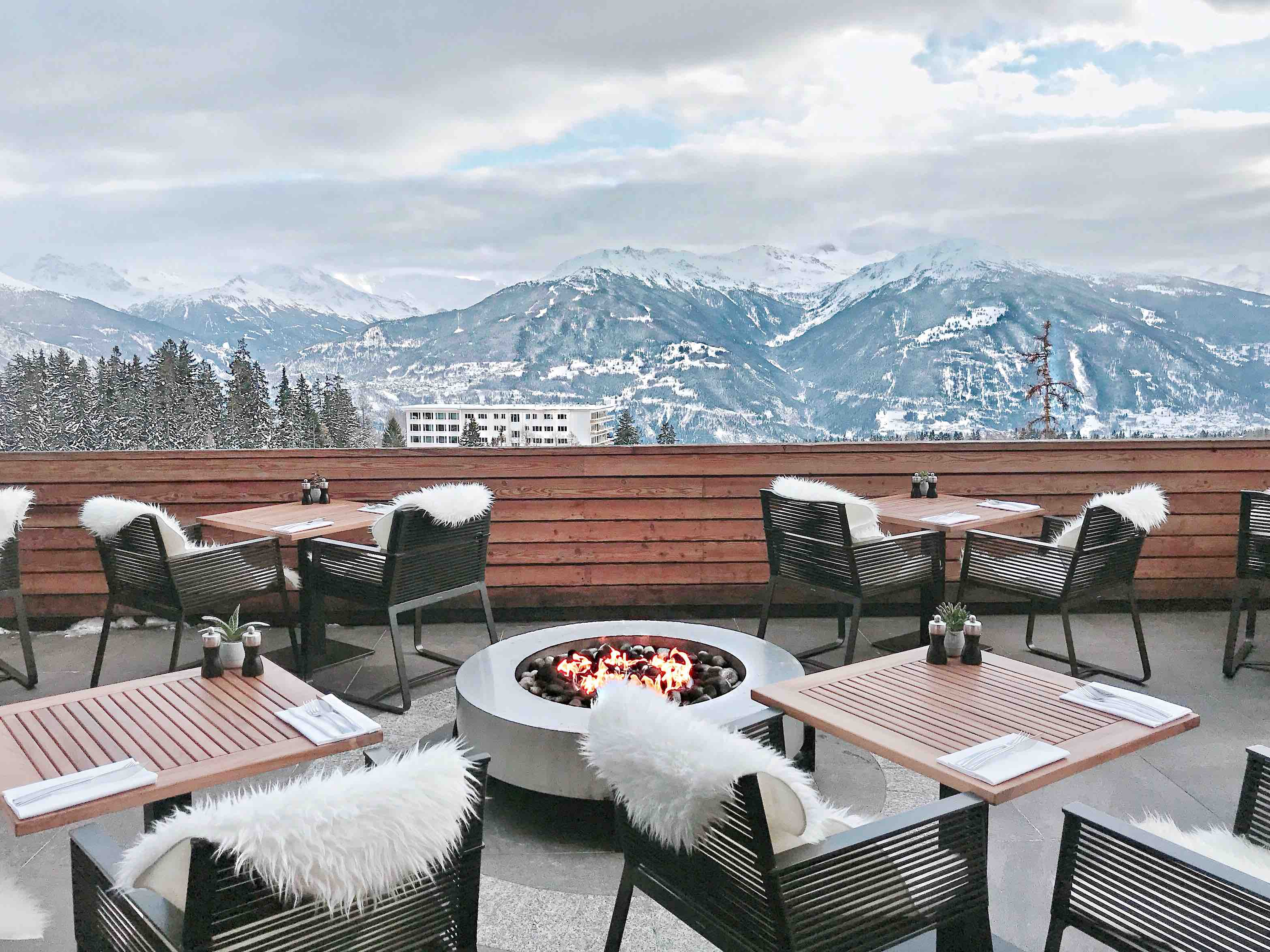 5 amazing hotels in switzerland for 2018. Black Bedroom Furniture Sets. Home Design Ideas